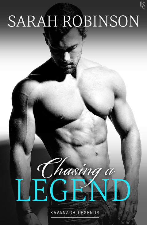 New Release & Review – Chasing a Legend by Sarah Robinson @booksby_sarah @NazareaAndrews